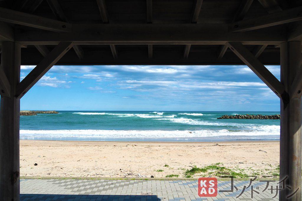 休憩所から見た浜辺